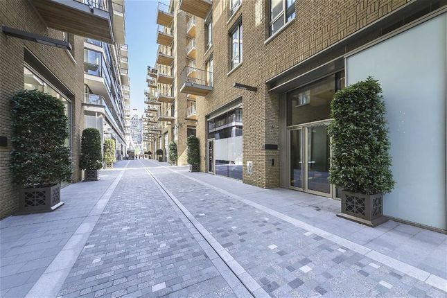 Thumbnail Flat for sale in Duchess Walk, London