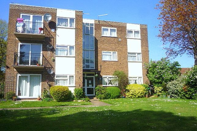 Flat to rent in Staines Road, Bedfont, Feltham