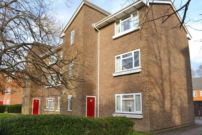 Thumbnail Flat to rent in Grange Court, Boundary Road, Newbury