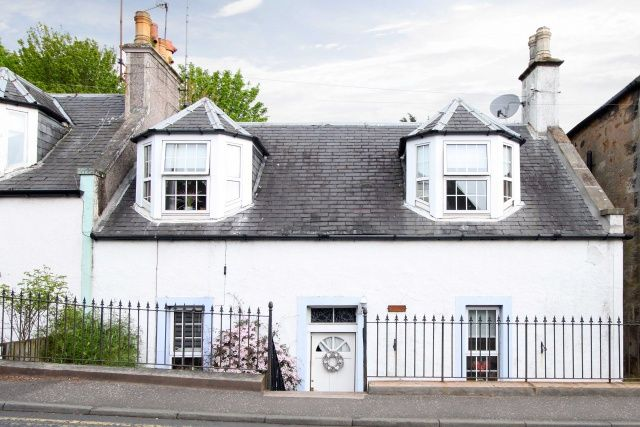 Thumbnail Cottage for sale in 3 Largo Road, Lundin Links, Fife