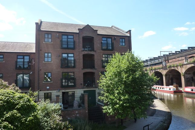 2 bed flat to rent in Ashton House, Slate Wharf, Castlefield