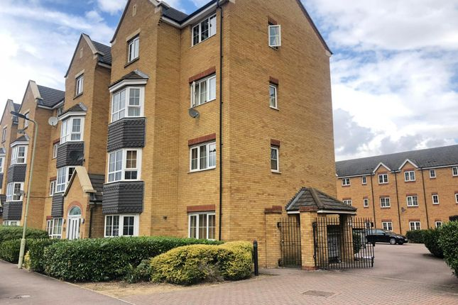 Thumbnail Flat to rent in Henley Road, Bedford