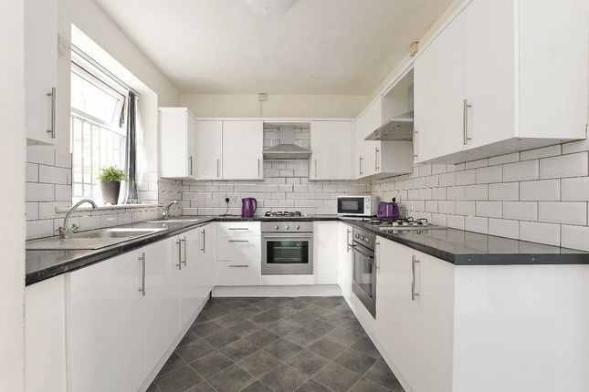 Thumbnail Flat to rent in Highfield Place, Sheffield