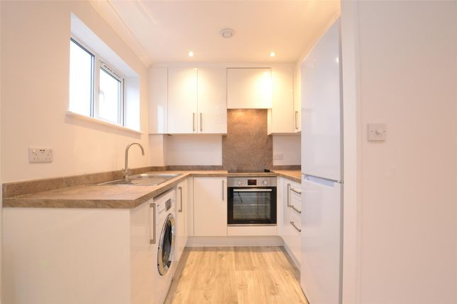 Thumbnail Flat to rent in Gillings Court, Wood Street, Barnet, Hertfordshire