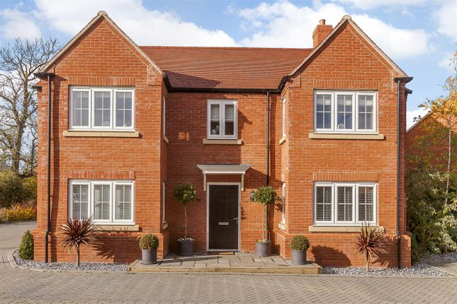 Thumbnail Detached house for sale in Turnpin Close, Buckingham, Buckinghamshire