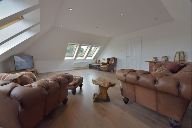 Lounge of Bannerman Avenue, Inverkeithing KY11