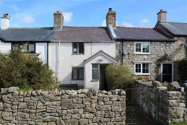 Thumbnail Cottage for sale in Panty Ffrith, Rhosesmor, Flintshire