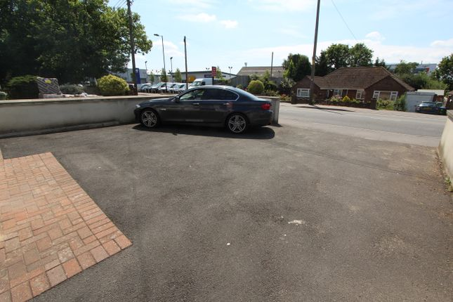 Maisonette for sale in Portsmouth Road, Southampton