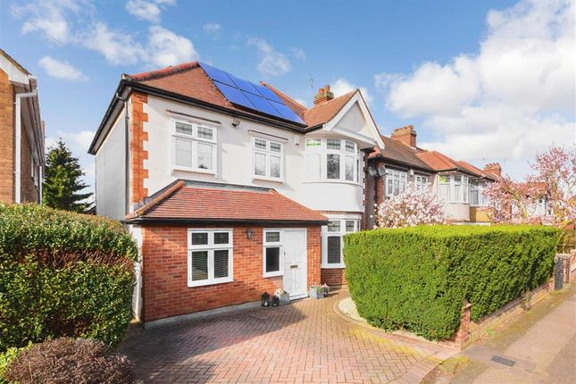 Thumbnail Detached house for sale in Bury Road, Epping, Essex