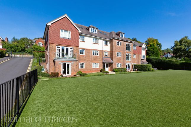 Thumbnail 2 bed flat to rent in St Monicas Road, Kingswood, Tadworth