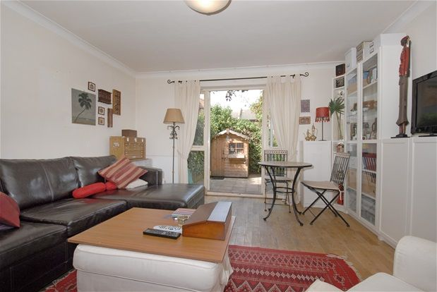 Thumbnail Property to rent in Elderwood Place, London