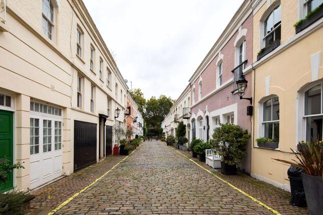 Thumbnail Town house to rent in Ennismore Gardens Mews, London