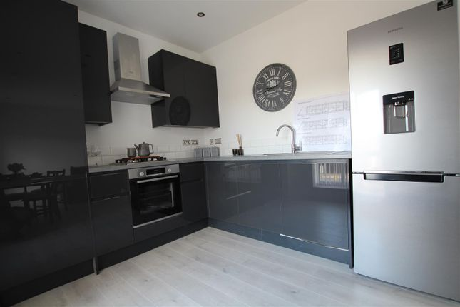 Thumbnail Flat for sale in Coleman Road, Leicester