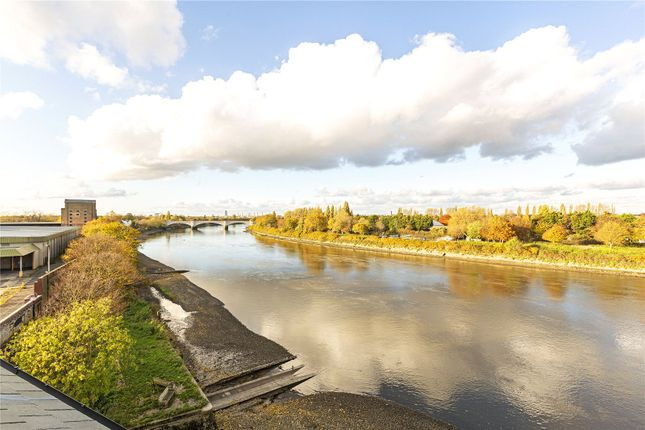 Thumbnail Flat for sale in Boat Race House, 63 Mortlake High Street, London