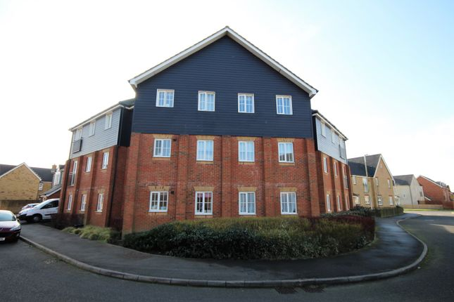 Thumbnail Flat to rent in 17 Carter Close, Folkestone