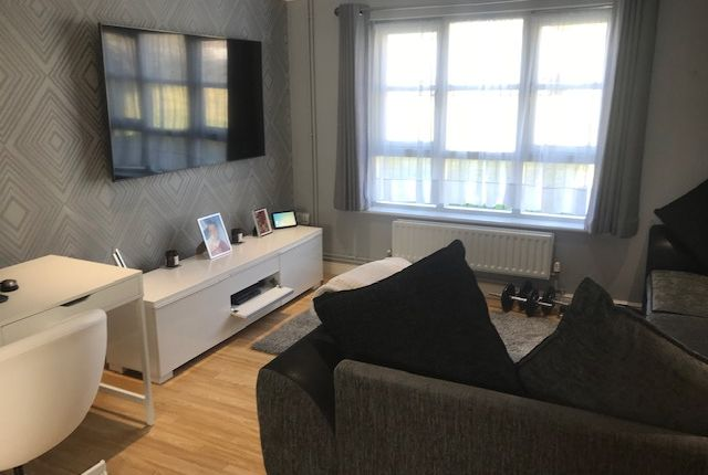 Thumbnail Flat for sale in Madocks Way, Waterlooville