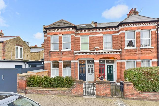 Thumbnail Flat for sale in Moring Road, London