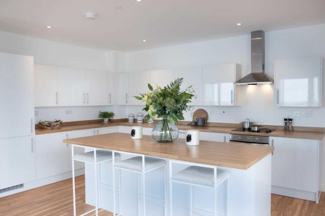 1 bed flat for sale in Gate Road, Chatham ME4