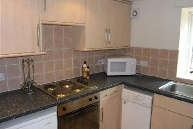 2 bed flat to rent in Flat 4, 65 Woodsley Road, Hyde Park