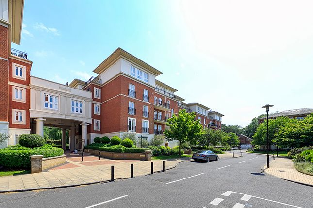 Thumbnail Flat to rent in Clevedon Road, East Twickenham