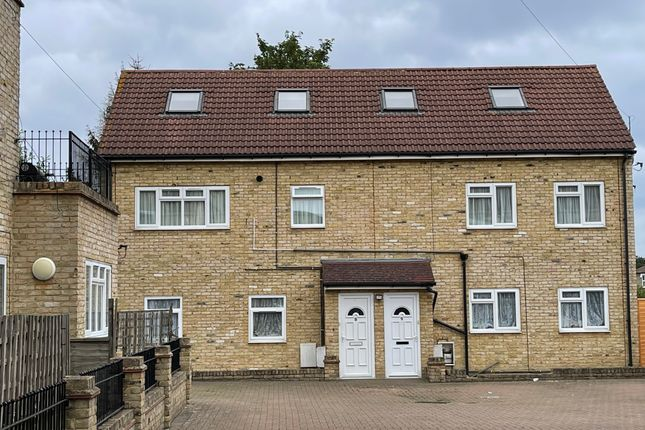 Thumbnail Flat to rent in Portland Road, South Norwood