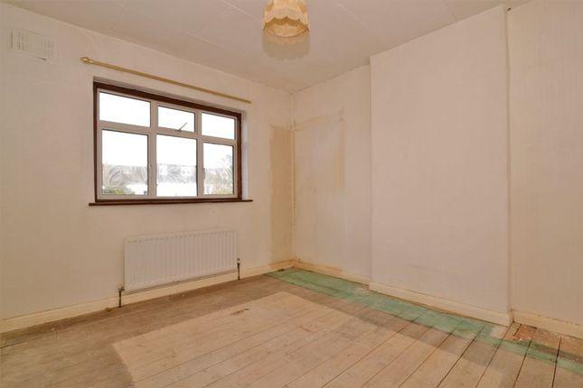Double Bedroom of Nettlewood Road, London SW16