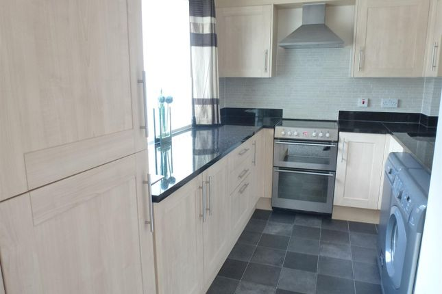 2 bed flat to rent in The Watering, Norwich