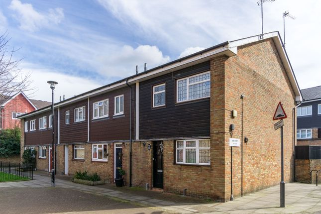 3 bed end terrace house for sale in Surr Street, London
