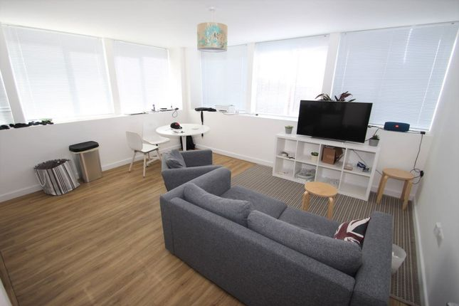 Thumbnail Flat to rent in Enterprise House, Portsmouth, Hampshire
