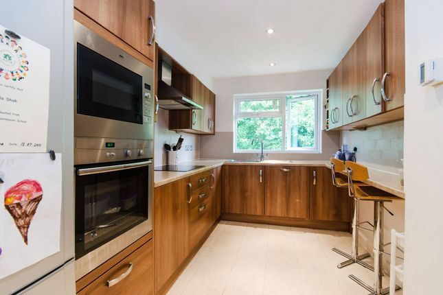 Thumbnail Flat to rent in Cornwall Road, Hatch End
