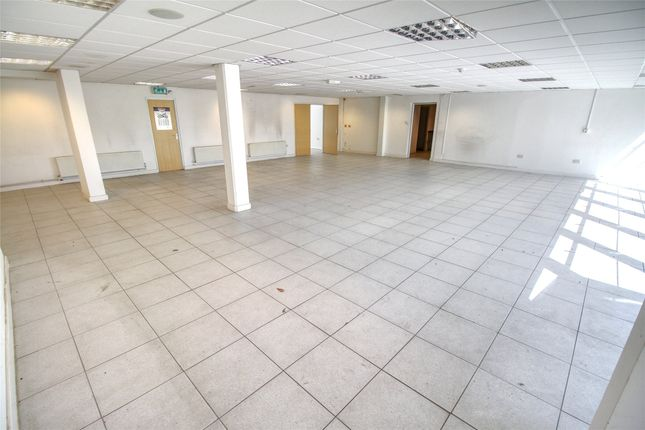 Thumbnail Light industrial to let in 43 Gatwick Road, Crawley