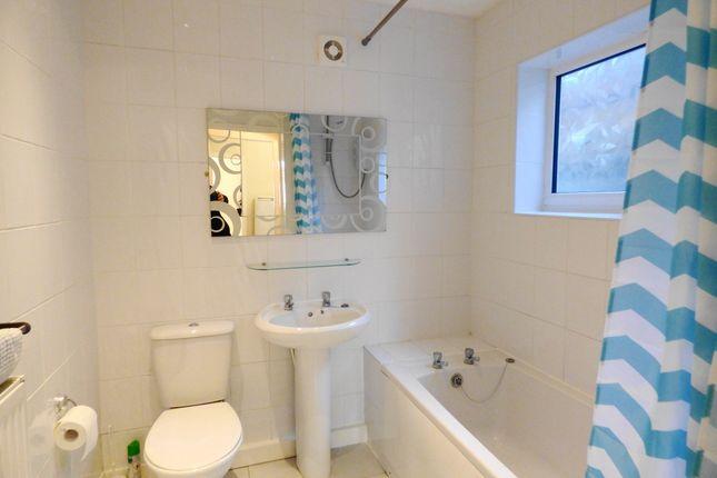 Bathroom of Sorogold Street, St Helens WA9