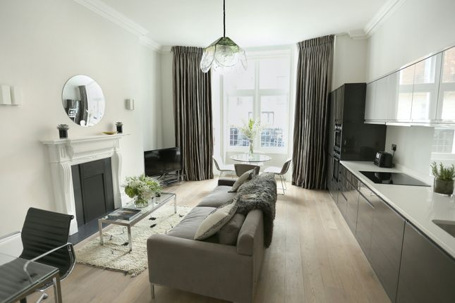 Thumbnail Flat to rent in Welbeck Street, London