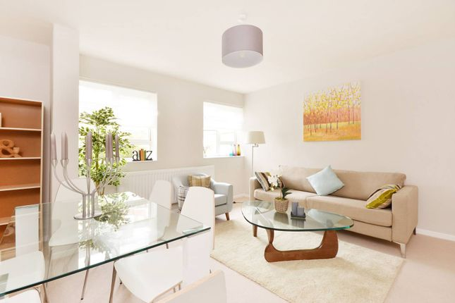Thumbnail Flat to rent in Abbots Manor, Pimlico