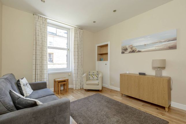 Thumbnail Flat for sale in 28/10 Milton Street, Abbeyhill