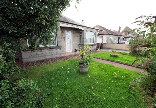 Thumbnail Bungalow to rent in Glasgow Road, Edinburgh