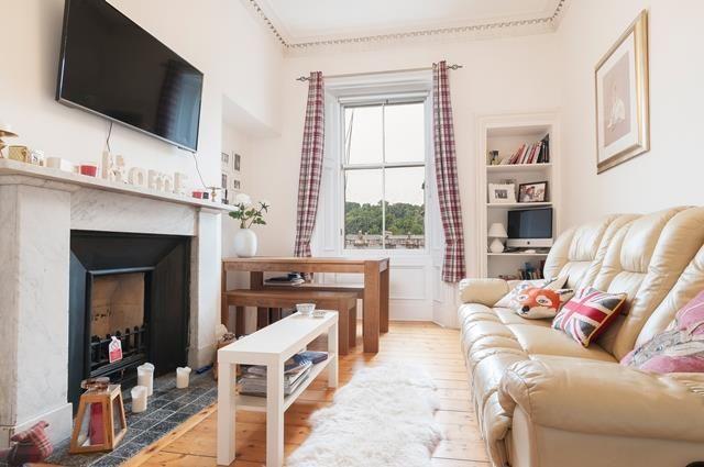 Thumbnail Flat to rent in Montgomery Street, Edinburgh