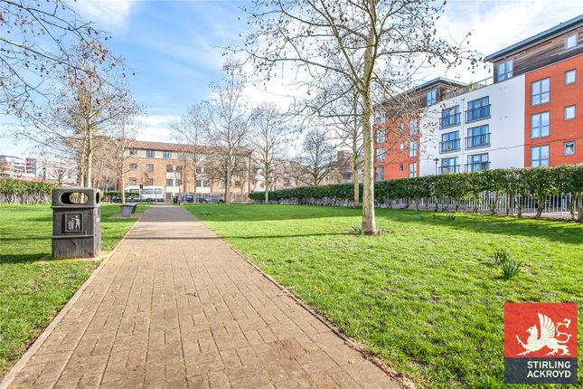 Picture No. 17 of Garway Court, 1 Matilda Gardens, London E3