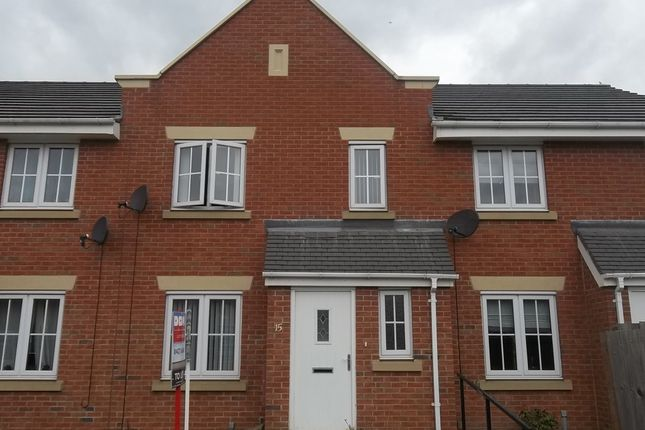 Thumbnail Semi-detached house to rent in Sunningdale Way, Gainsborough