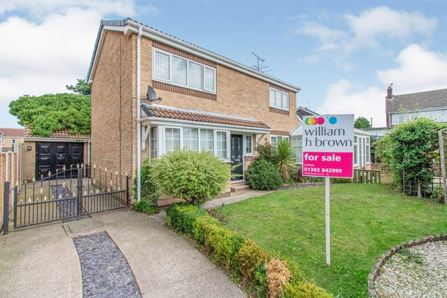 Thumbnail Detached house for sale in Bracken Heen Close, Hatfield, Doncaster