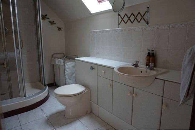 En-Suite of Mcintosh Drive, Elgin IV30
