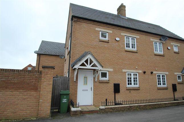 2 bed semi-detached house to rent in Gilbert Scott Gardens, Gawcott, Buckingham