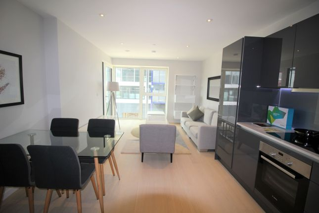 1 bed flat to rent in Westfield Avenue, Stratford