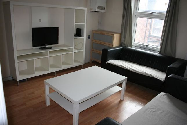 Thumbnail Property to rent in Burley Lodge Terrace, Hyde Park, Leeds