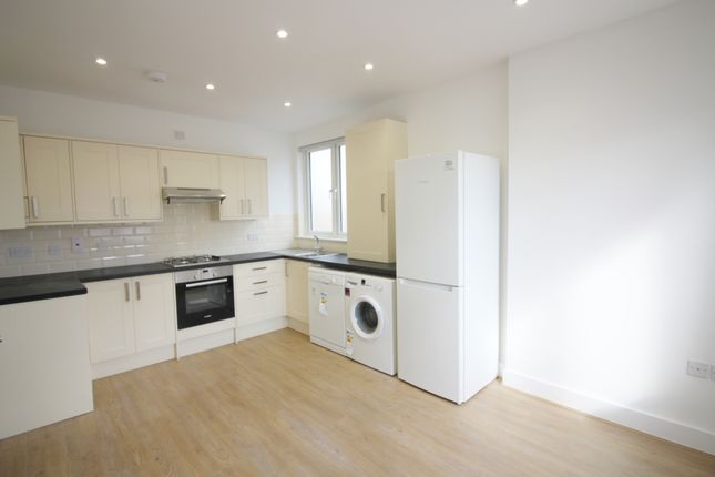 Thumbnail Flat to rent in Ballards Lane, Finchley Central