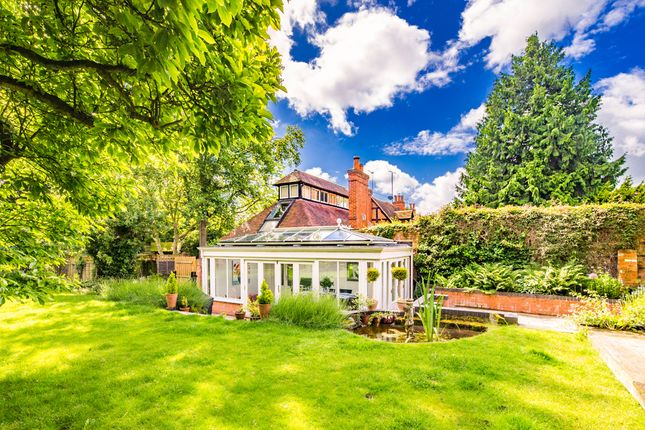 Thumbnail Property to rent in White Hart House, Streatley On Thames