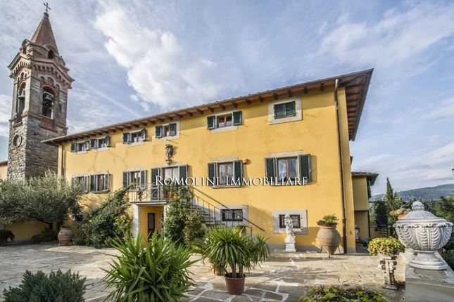 11 bed country house for sale in Terranuova Bracciolini, Tuscany, Italy