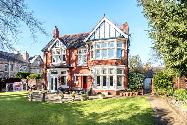 Thumbnail Detached house for sale in Queens Road, Oswestry