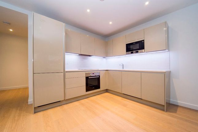2 bed flat to rent in Baldwin Point, Elephant Park, Sayer Street, London