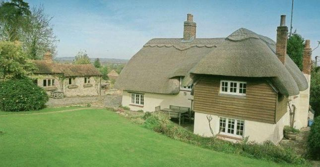 Thumbnail Cottage to rent in Eythrope Road, Stone